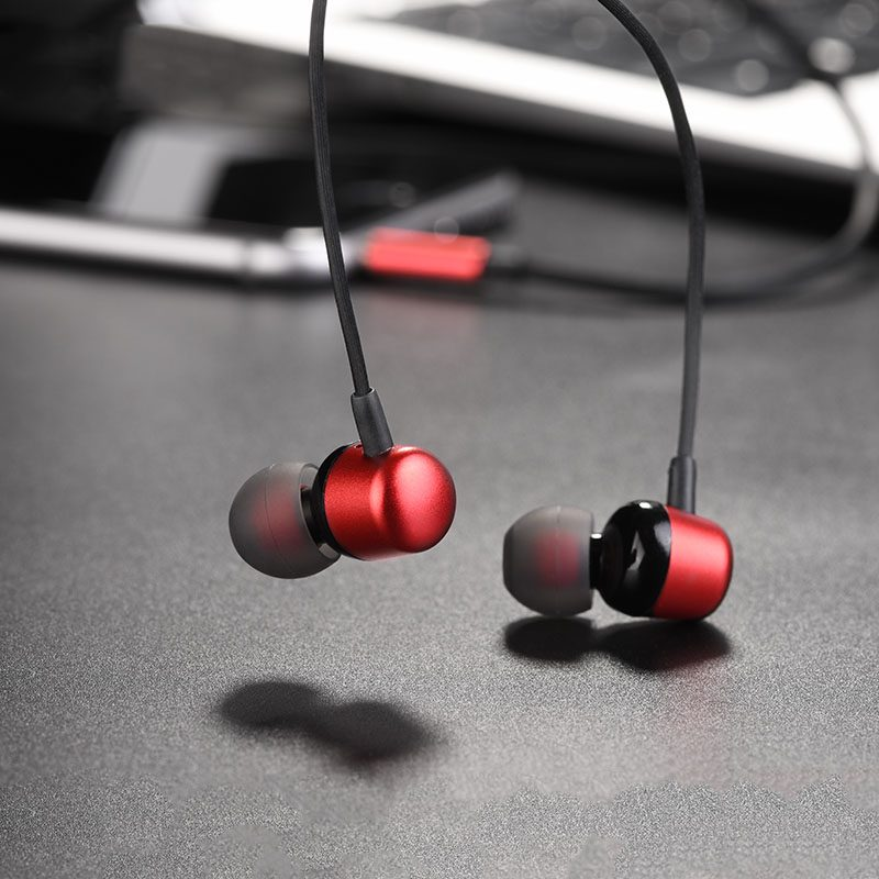 m31 universal wired earphones with mic 9
