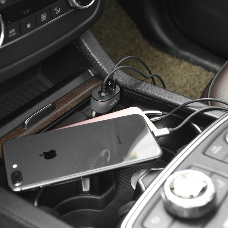 z18 pd car charger built in cable in car