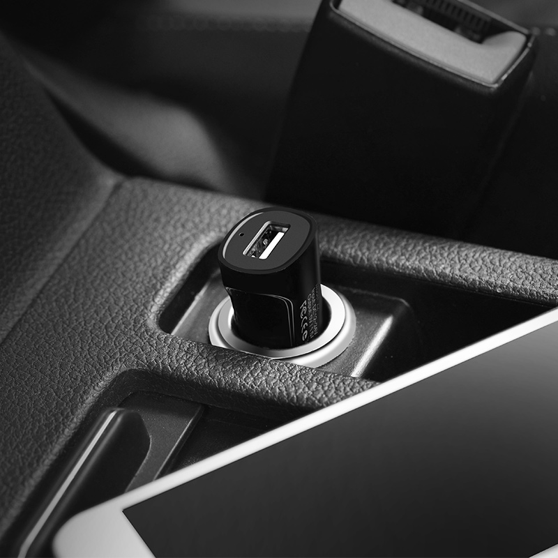z2 single usb car charger interior