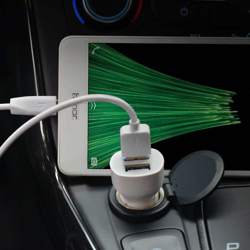 z2a two port car charger interior