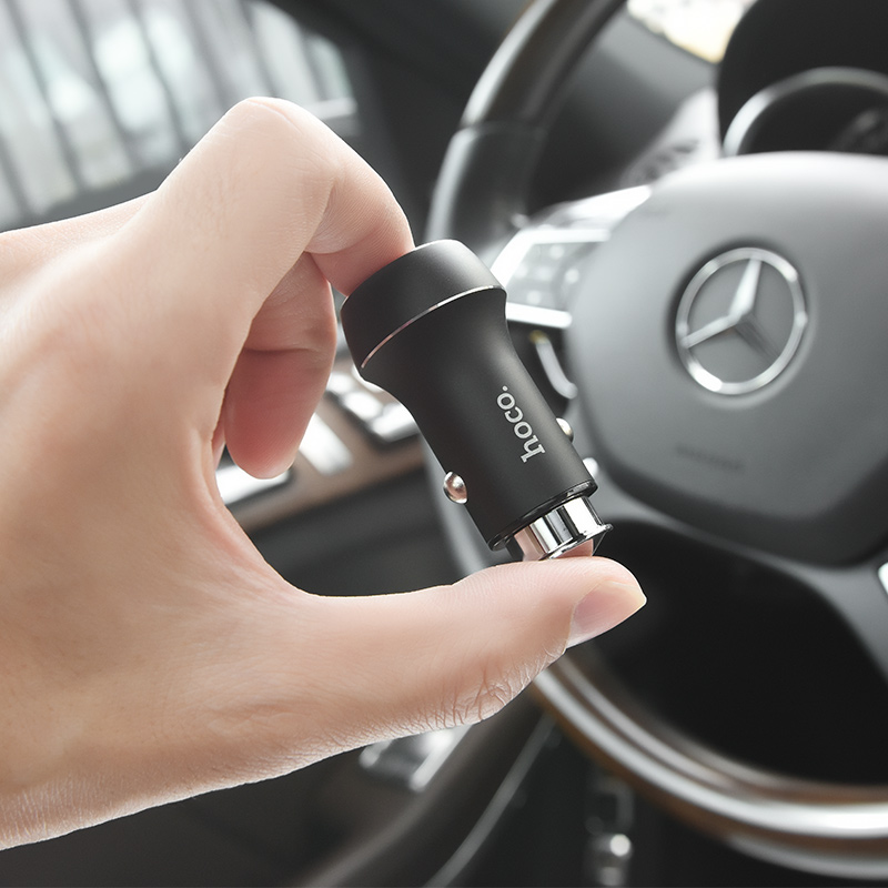 z7 kingkong dual usb car charger hand