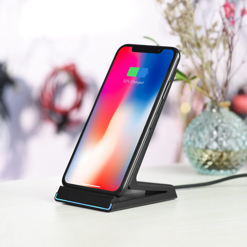cw1b z shape holder with wireless charger interior