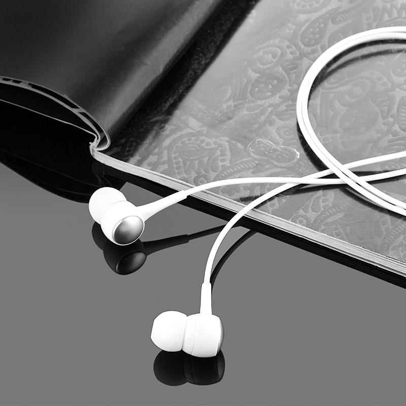 m19 drumbeat universal earphone