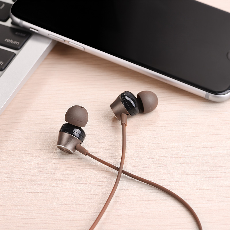 m32 universal earphones with microphone interior