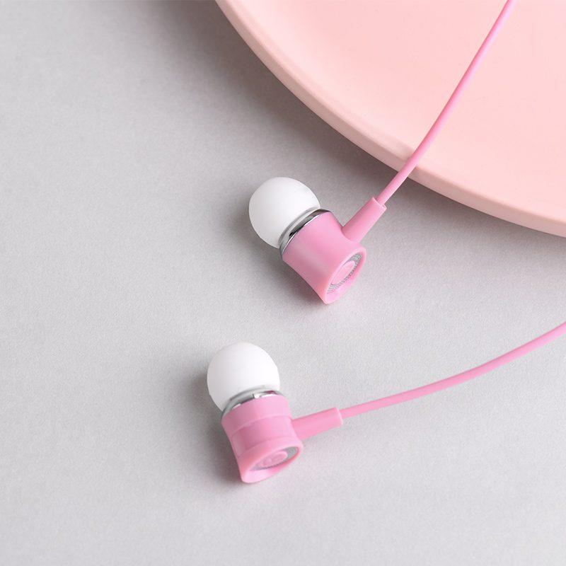 m37 universal earphones