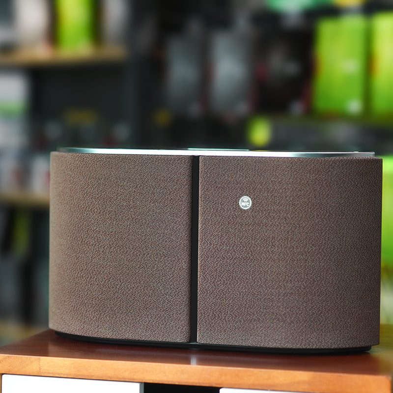 bs11 captain tabletop wireless speaker overview