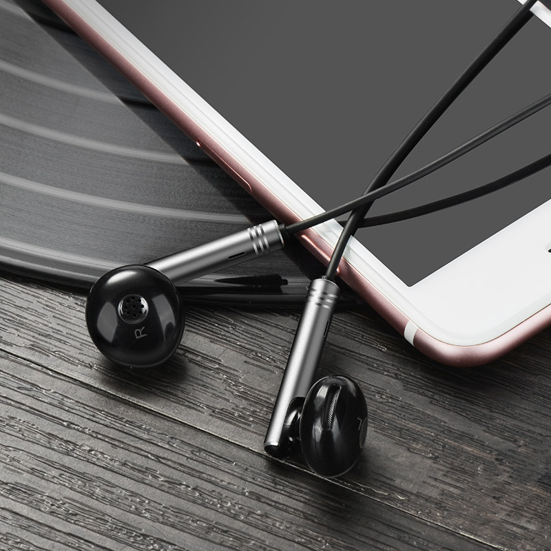 m26 zorun wire controllable earphone with mic metal gray with phone