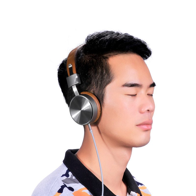 w2 wired headphones boy