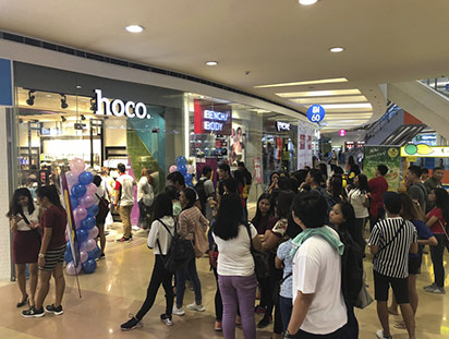 hoco hits ten tenth store in philippines 08