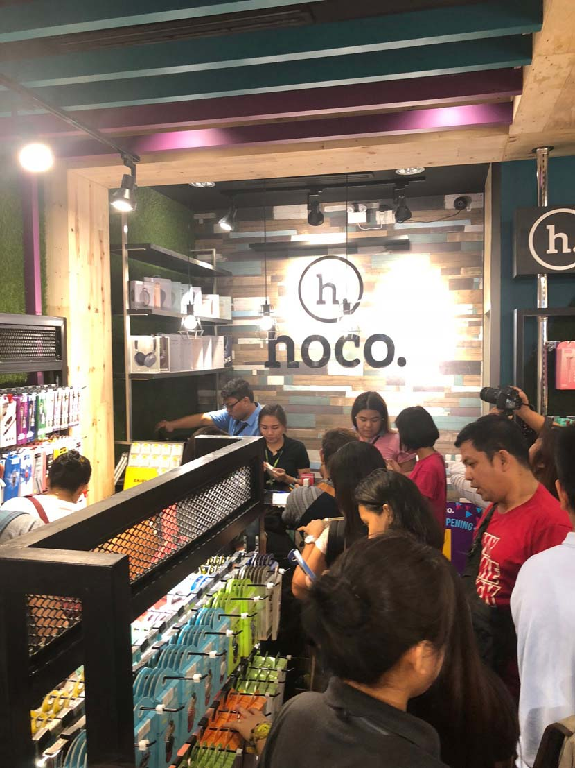 hoco hits ten tenth store in philippines07