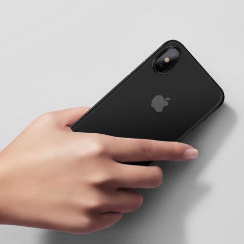 hoco thin series матовый чехол для iphone x / xs / xr / xs max в руке