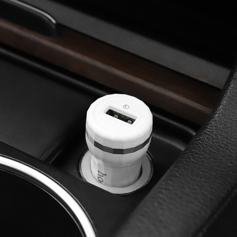 hoco z27 staunch dual port in car charger qc 3.0 vehicle
