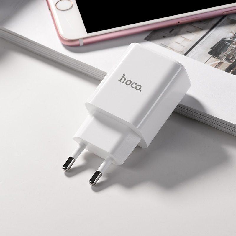 hoco c63a victoria зарядный адаптер с двумя usb eu штекер led дисплей адаптер