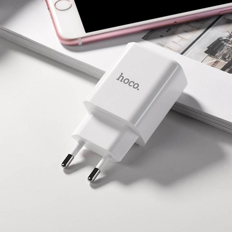 hoco c63a victoria dual port charger with digital display eu adapter