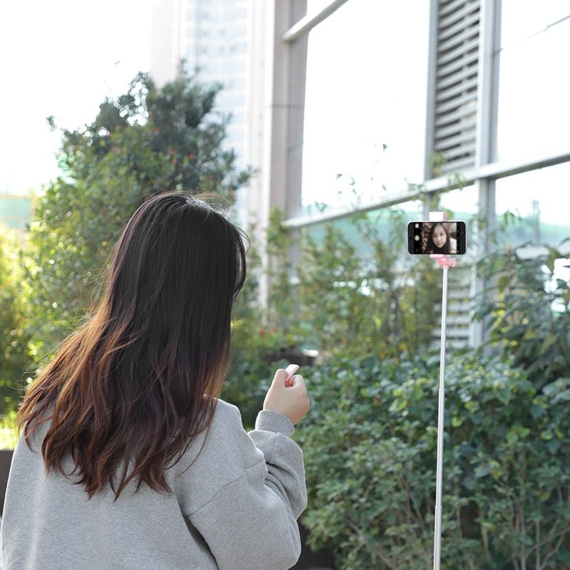 hoco k10b magnificent wireless selfie stick with backlight remote