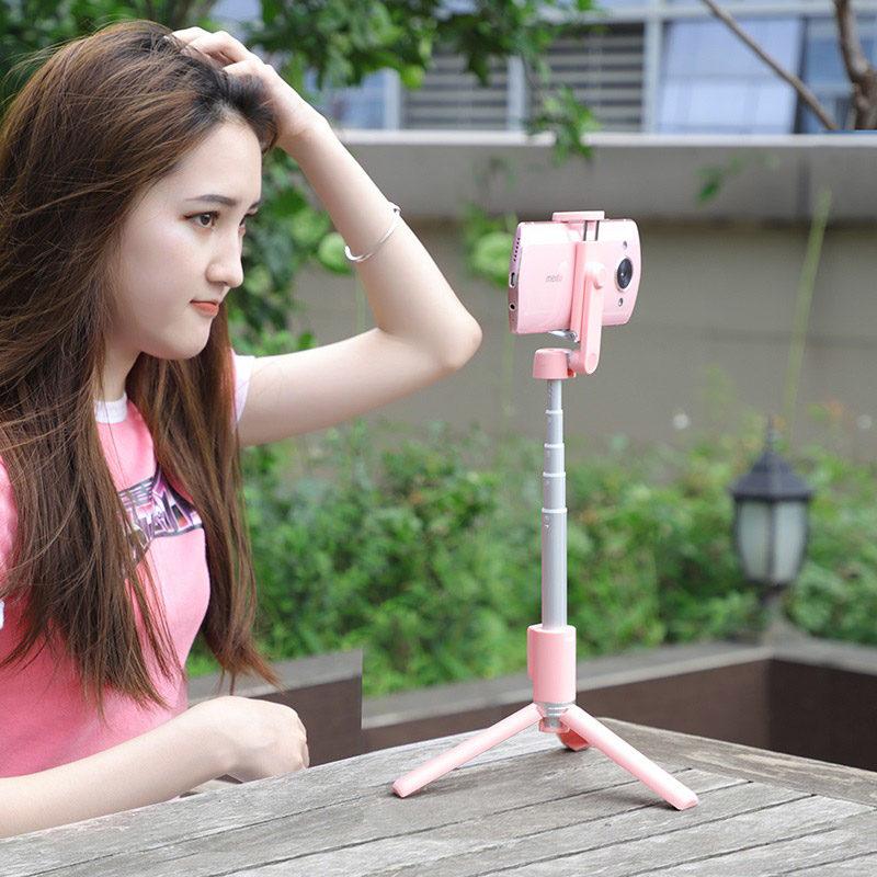 hoco k11 wireless tripod selfie stand girl