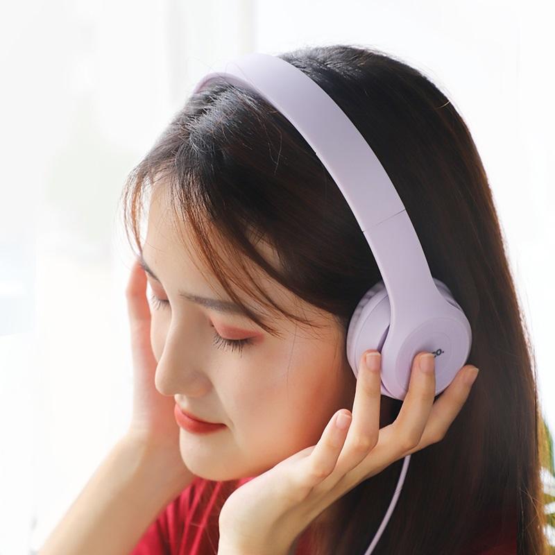 hoco w21 duyên dáng điều khiển dây tai nghe người phụ nữ