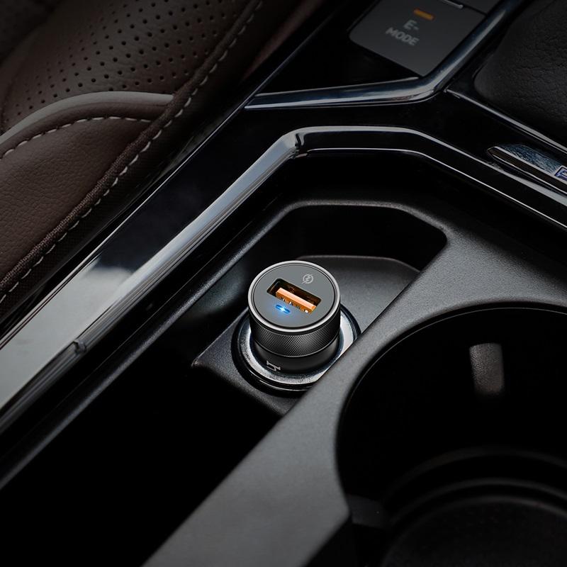 浩酷 z32a 极闪全兼容车载充电器 内部