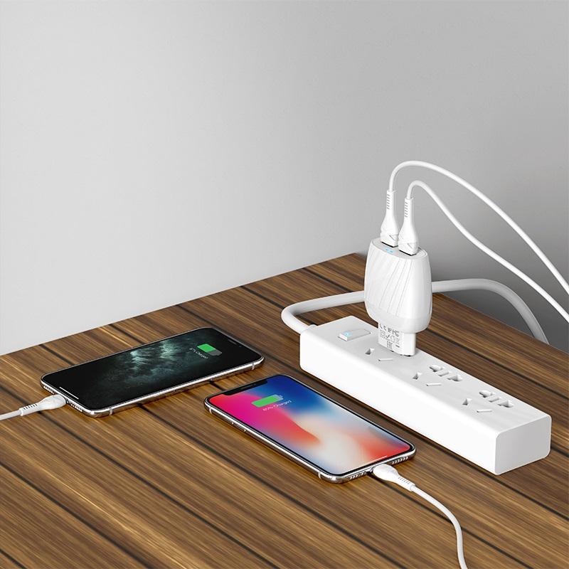 hoco c78a max energy зарядное устройство с двумя портами eu набор с кабелем lightning интерьер