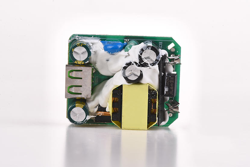 hoco n3 special single port qc3.0 wall charger eu disassembly report pcb board front side